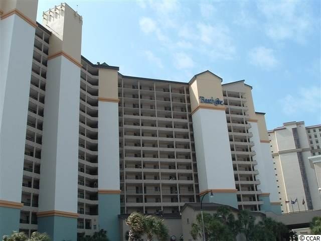 Beach Cove 1BR/1BA oceanfront condo with nice views! Awesome amenities: multiple indoor/outdoor pools, hot tubs, lazy river, fitness center, restaurant, coffee shop, game room, conference rooms & more! Located close to Barefoot Landing, shows, fine dining, shopping, golf & most anything else you want or need!