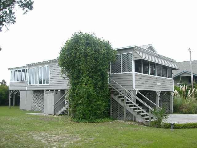118 Atlantic Ave. Pawleys Island, UT 29585