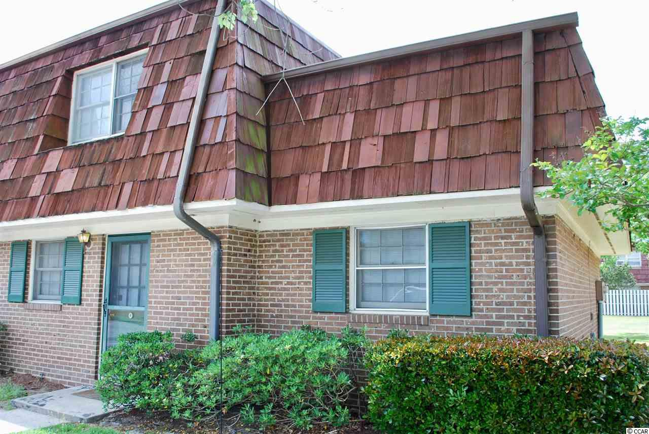 Freshly painted 3 bed/2 bath condo with private courtyard. This unit has just been freshly painted. Unit is located within walking distance to Coastal Carolina College and Horry Georgetown Technical College.