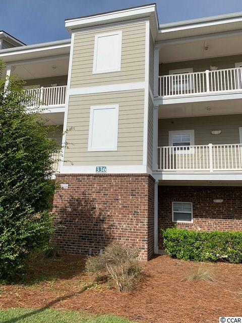 Awesome, large 3 bedroom 2 bath fully furnished end unit condo located on the 3rd floor with vaulted ceilings. End unit offers lots of windows creating a bright, airy feel. Beautiful views of the ponds and fountains from living room, dining room, kitchen, master bedroom and screen porch. Great open floor plan in kitchen, living room and dining area. Kitchen has all white appliances with tile floor and pantry. Large breakfast bar and dining room table offer plenty of seating for meals and entertaining. Master bedroom has great storage with a large walk in closet and a second closet and tiled bath. Second bedroom also has two closets and the third bedroom has closet and desk. Attached outside storage in your unit offers storage for beach chairs, golf clubs, etc. This property has been well cared for. Kiskadee Parke community offers large pool, tennis, basketball and volleyball courts, and clubhouse. Close to Coastal Carolina University, Horry/Gerogetown Technical College, quaint downtown Conway, Tanger Outlets, Conway Hospital, shopping, dining, entertainment, golf, area attractions and just a short drive to the beach and the heart of Myrtle Beach. A perfect choice for a primary home, secondary home, or rental potential. Don't miss this opportunity! Just bring your toothbrush and clothing. Remember everything conveys!! Square footage is approximate and not guaranteed. Buyer is responsible for verification.