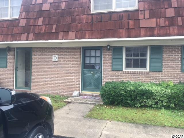 Great unit walking distance to Coastal Carolina University, perfect for an investor or for a student wanting to establish residency.This unit has new carpet upstairs and paint throughout.