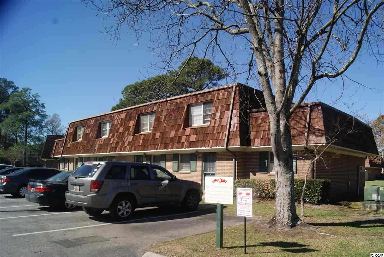 WALK TO CLASS FROM THIS UNIT. GREAT FOR STUDENT PURCHASER TO ESTABLISH RESIDENCY OR INVESTOR BUYER. GREAT RENTAL HISTORY.