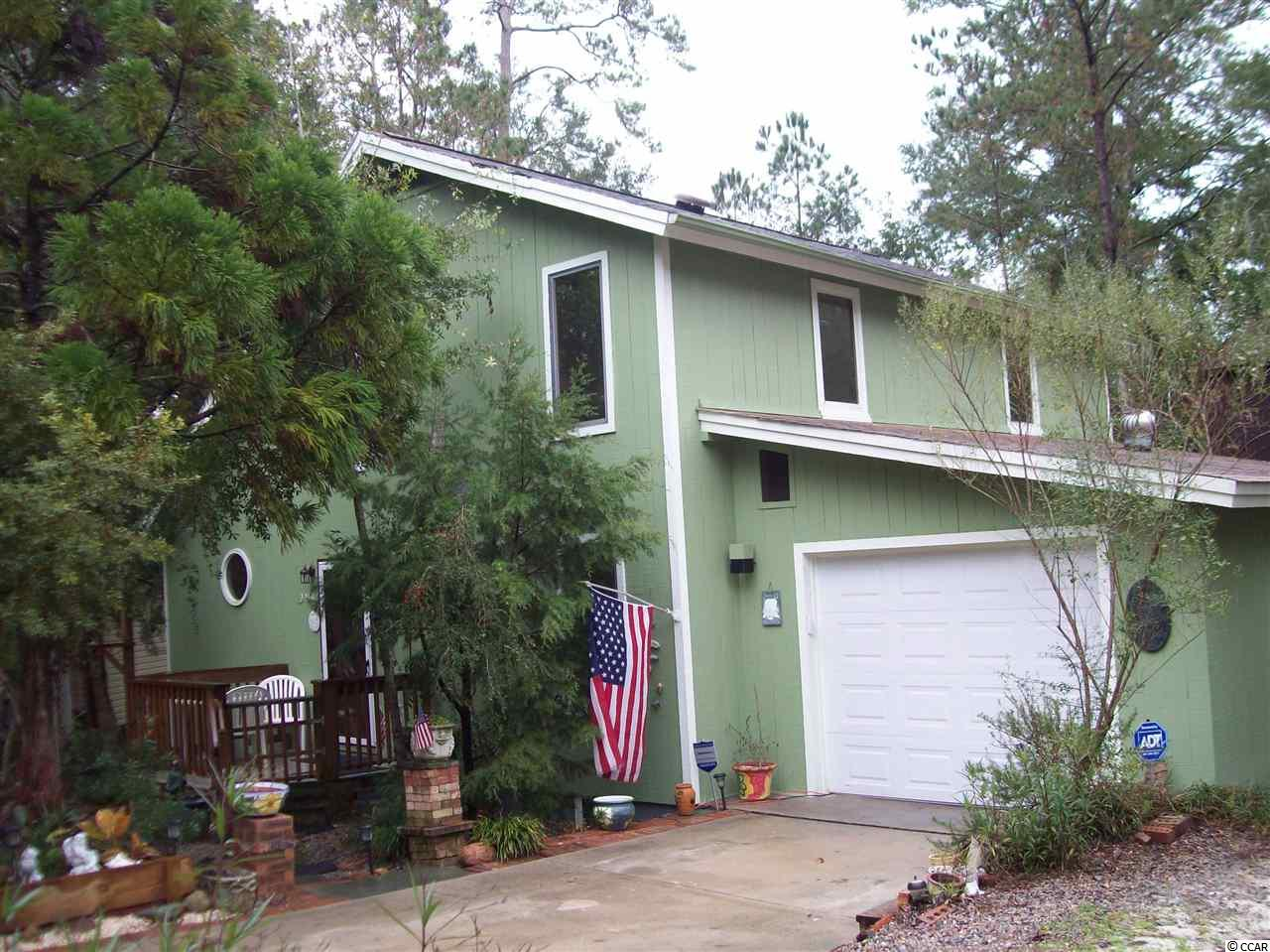 This 3bd/2ba home is 1.5 stories located in a beautiful waterway communty with fishing pier, boat ramp, tennis courts and Olympic size pool ...all of this and more... you can get as involved as you want or not. Close to shopping, dining ,entertainment, fishing, golfing.