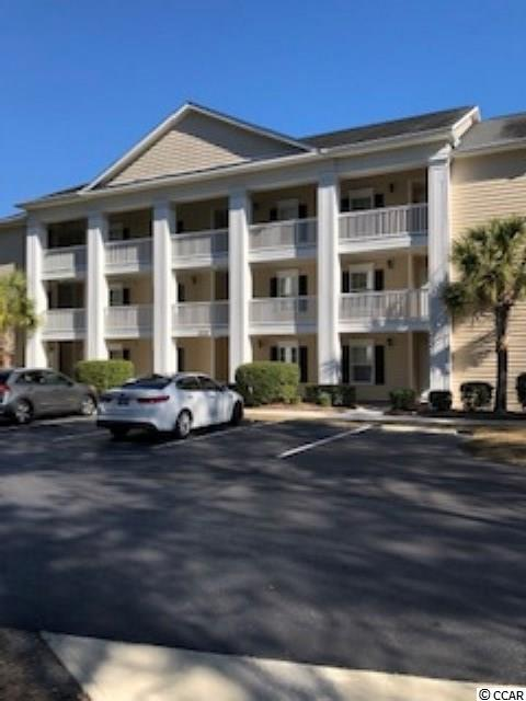 Move in ready. Fully furnished end unit condo.bright and cheery kitchen. New in 2018 laminate wood flooring, whole unit painted, cabinets added in separate laundry room. Very large bedrooms with two full baths. Complex has pool and clubhouse. Conveniently located to 17 business and 17 bypass. Approximately 1 mile from ocean. Large balcony overlooking lake.