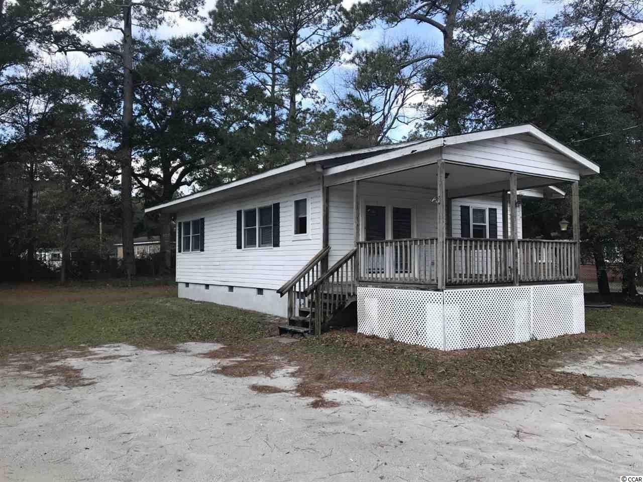2 bedroom 1 bath home in heart of Little River with no HOA! Great investment property or starter home. Close to all the area has to offer shopping, dining, golf, the beaches and more!