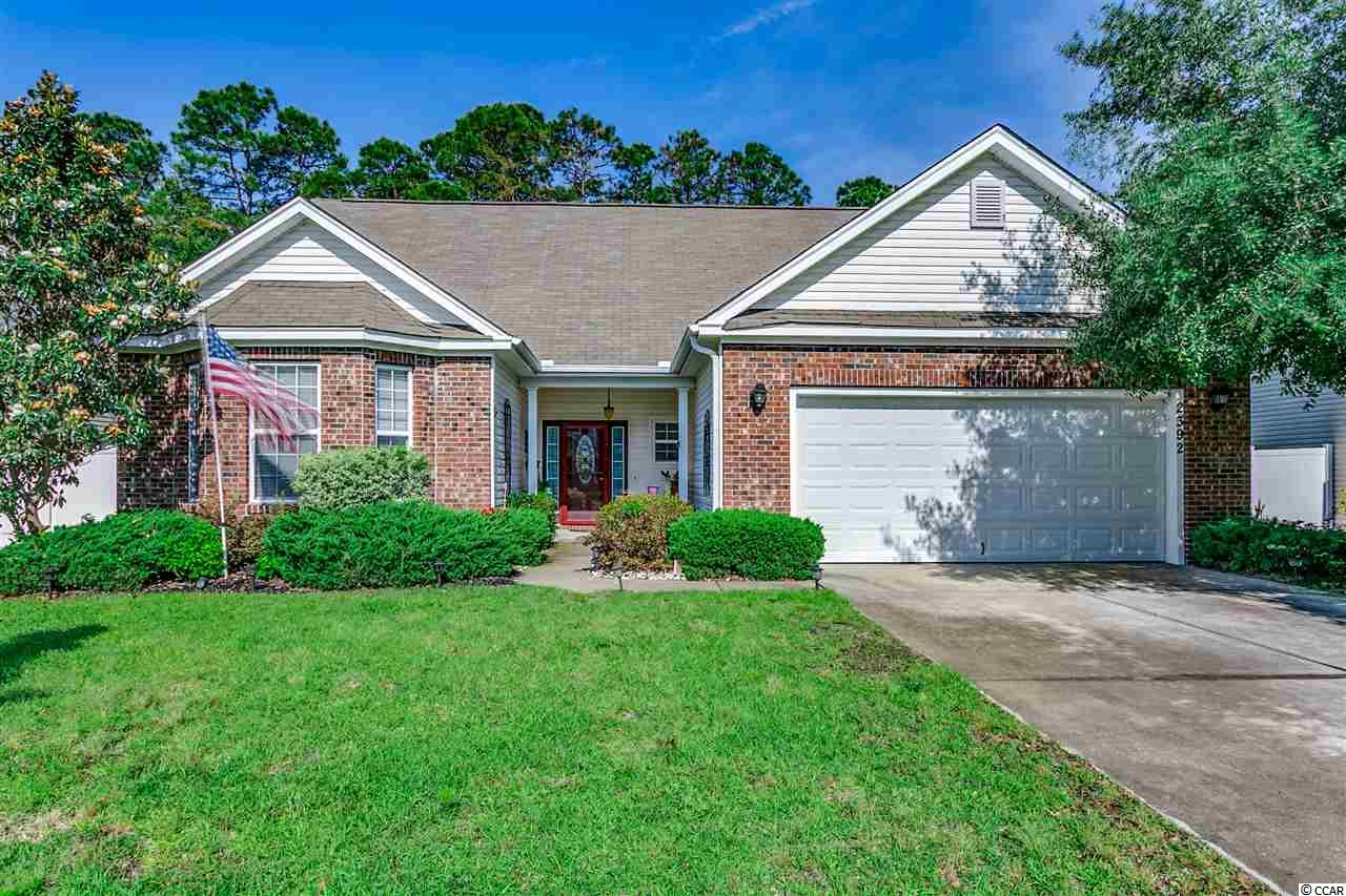 Great buy for this 3 Bedroom / 2.5 Bath Home in Park Point in Avalaon! Enjoy the vaulted ceilings, oversized eat in kitchen with 42 inch cabinets, desirable open floor plan, formal dining room, split bedroom plan, great master suite with walk in closet, large screened porch overlooking the private back yard view and lush landscaping. This is truly a must see! Possibilities are endless! Don't Delay!