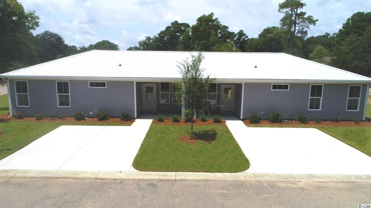 Duplex units in a great location. LVP flooring, granite conter tops, lanscapping and trash pick up included in HOA. 10 year structural warranty backed by Liberty Mutual.