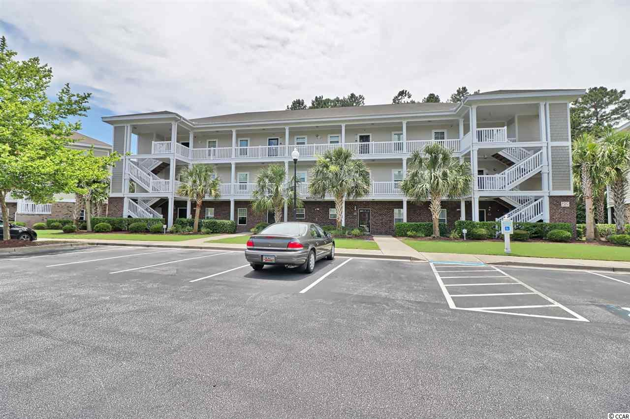 Great end unit on first floor in Willow Bend. priced to sell .This unit is a blank canvas. Put your personal touch on this unit. Enjoy all the amenities that Barefoot has to offer. Four Championship golf courses, Large driving range and practice area, Barefoot Marina, Onsite restaurants, Private beach cabana and Private parking for owners. Come and live the Barefoot Life today.