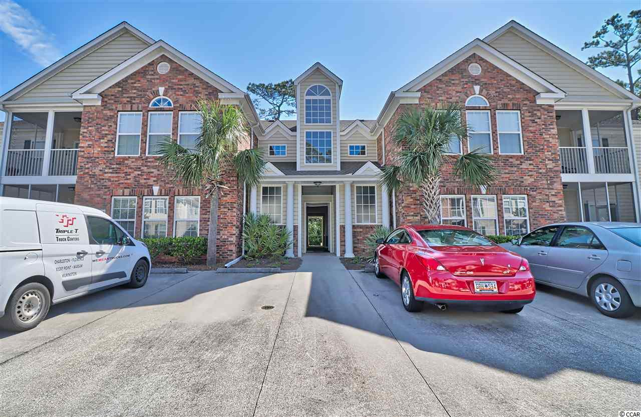 Beautiful first floor 3 bedroom / 2 bath condo in the heart of Pawleys Island.  In immaculate condition, this single story villa is offered unfurnished with spacious main living area, screen porch, large master suite with two walk-in closets, jacuzzi tub, double sinks in master, breakfast bar and so much more. Private community pool with bathroom and covered patio is just steps away. Pawleys Pointe is minutes away from the beach, shopping, restaurants and all the wonderful lifestyle amenities that Pawleys Island has to offer. Come take a look...this one won't last long.