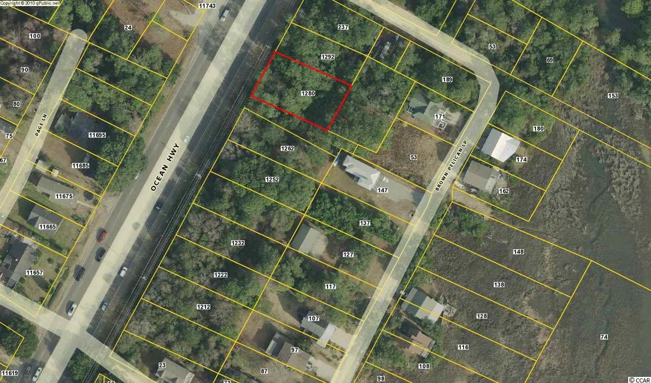 Single family homesite, residential east of 17 on Brown Pelican Loop, minutes to the beach in both Pawleys Island and Litchfield. Close to all the shopping.