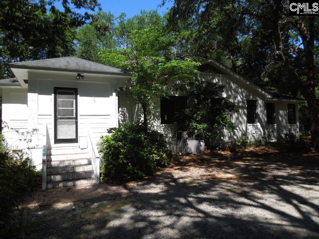 1718  Lakeview Camden, SC 29020