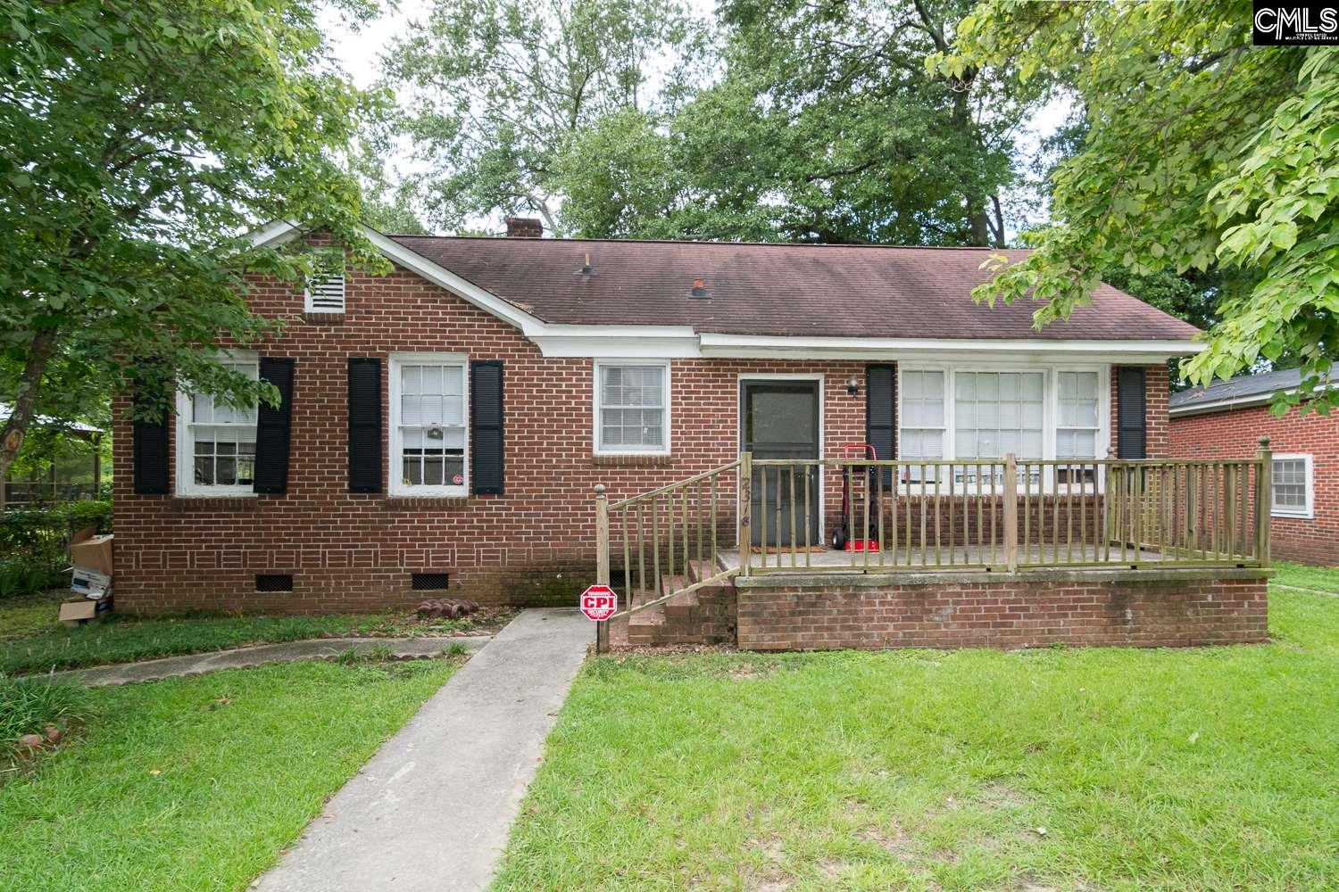 2318 Laurie Cayce, SC 29033