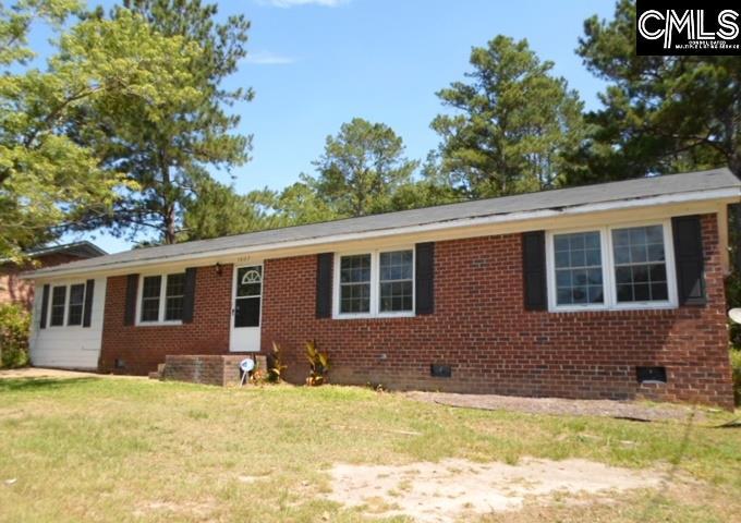 1607 Fairfax Camden, SC 29020
