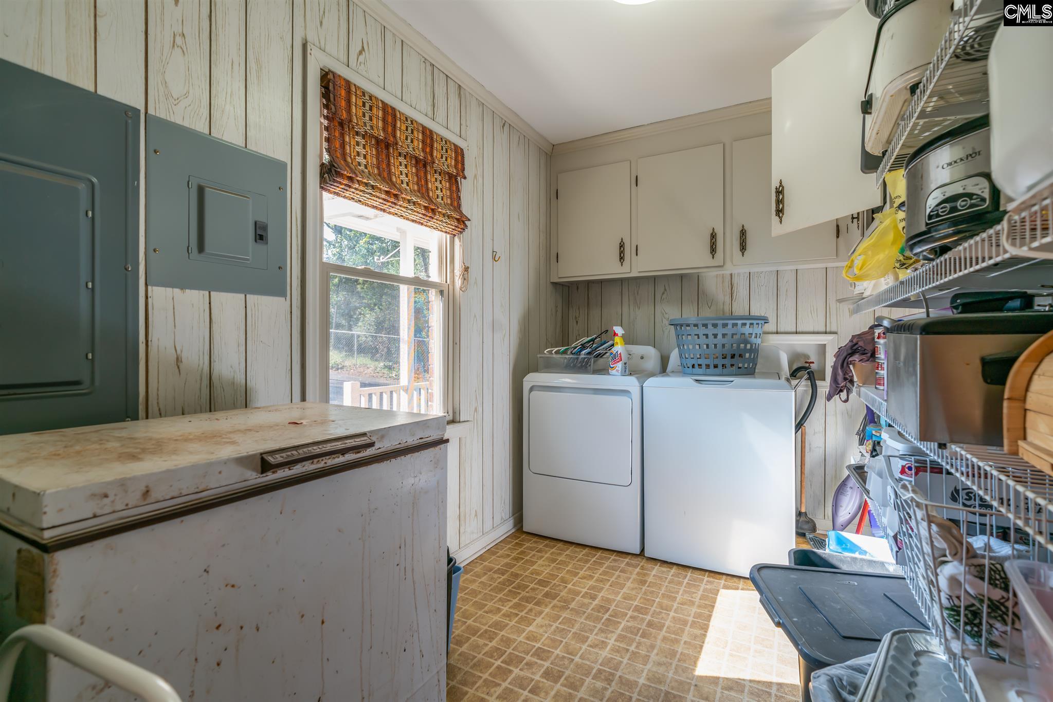 418 S Lakeshore Gilbert, SC 29054
