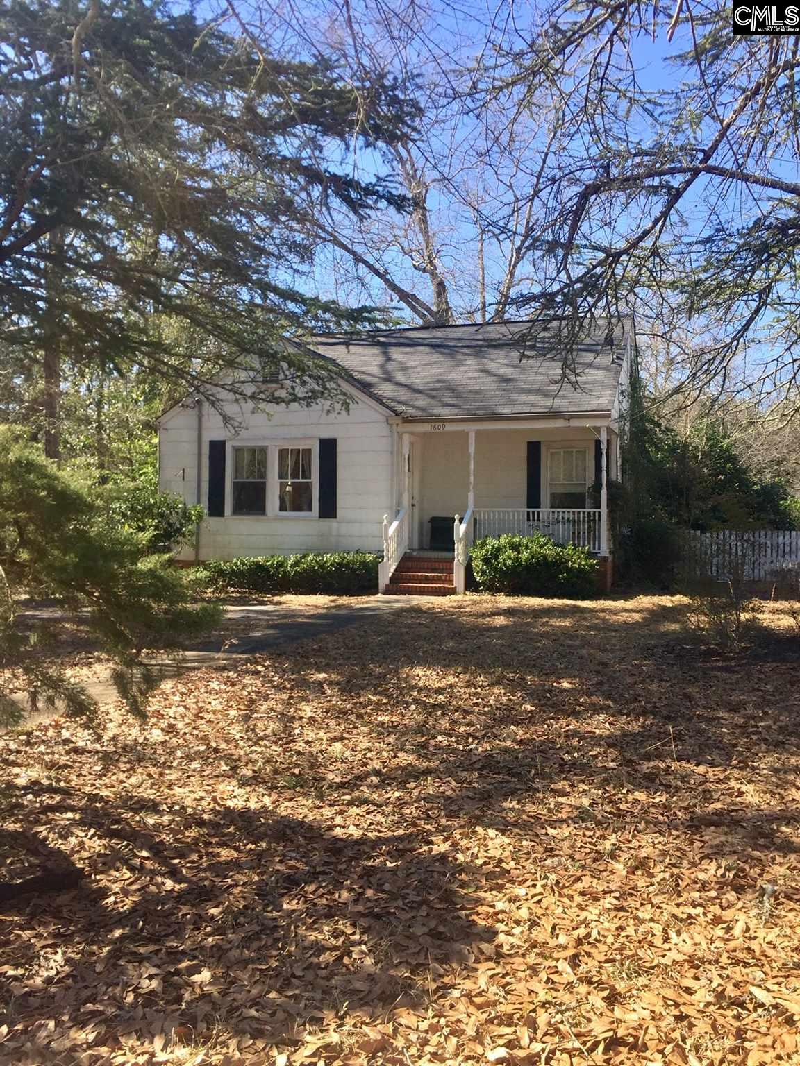 1609 Lakeview Camden, SC 29020
