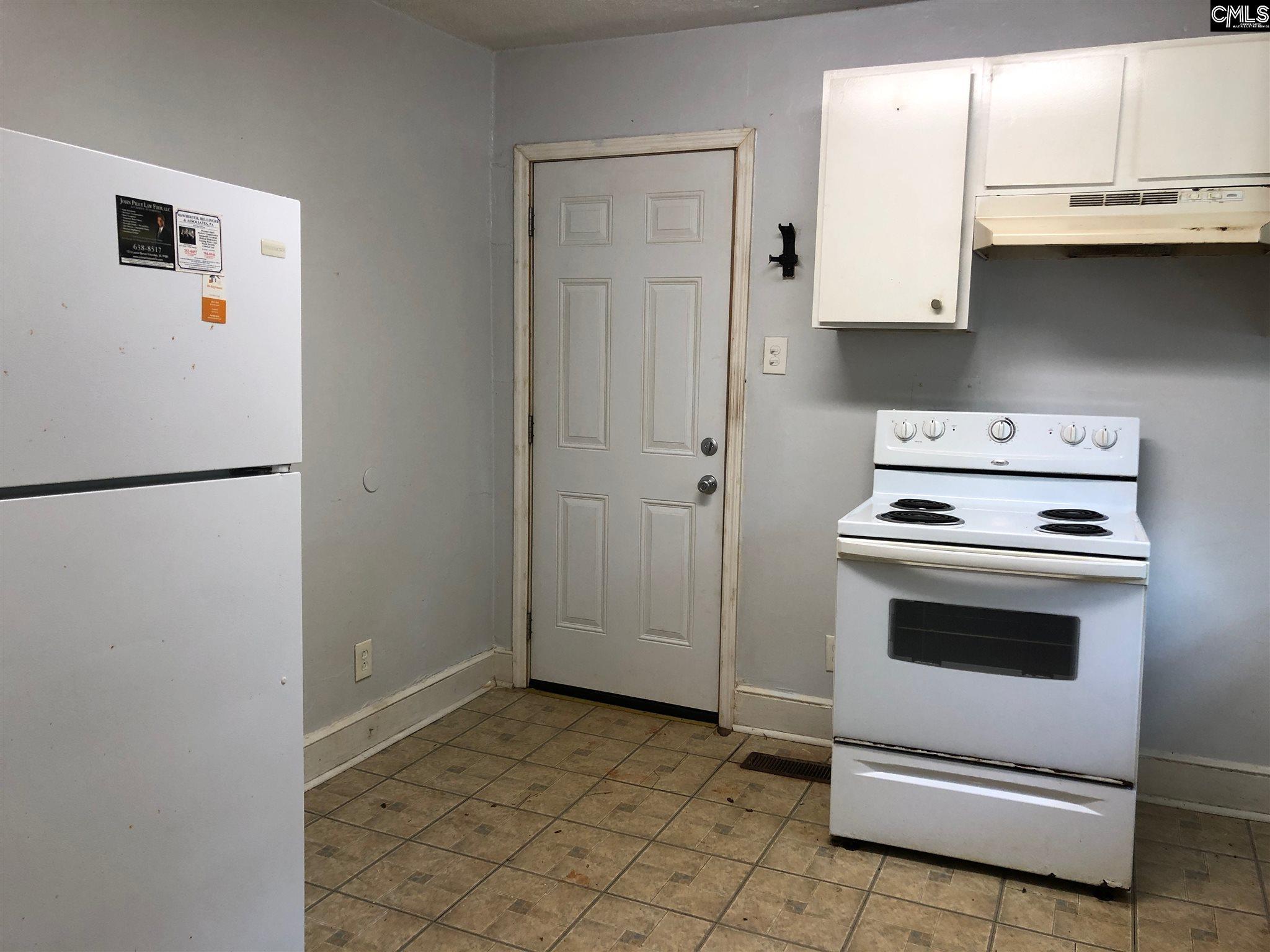 327 Pineneedle Columbia, SC 29203