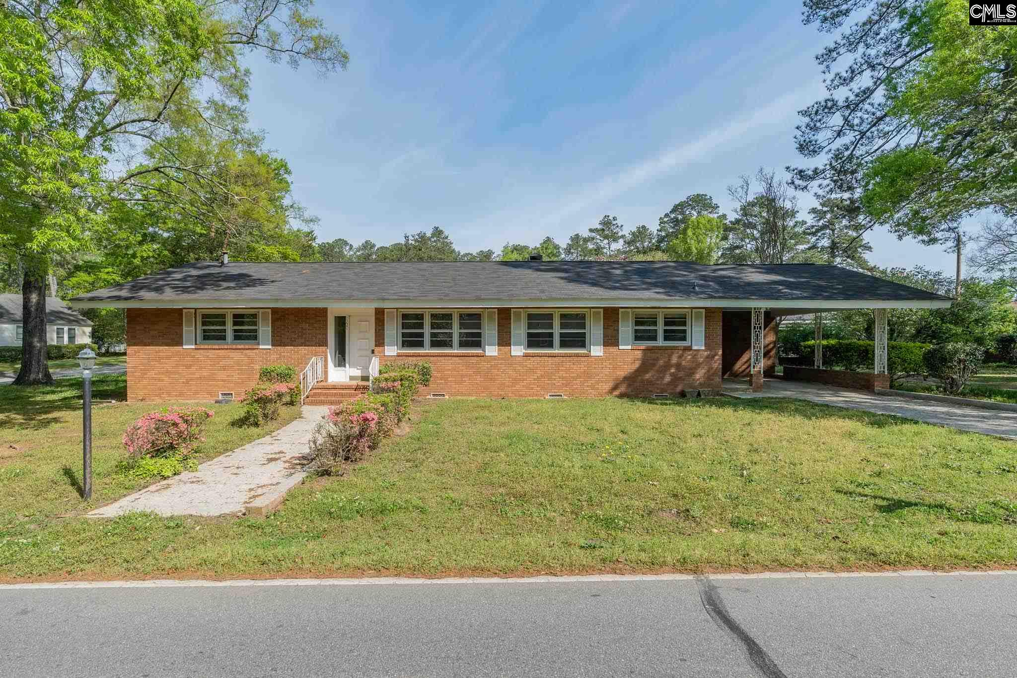 1221 Pope Newberry, SC 29108