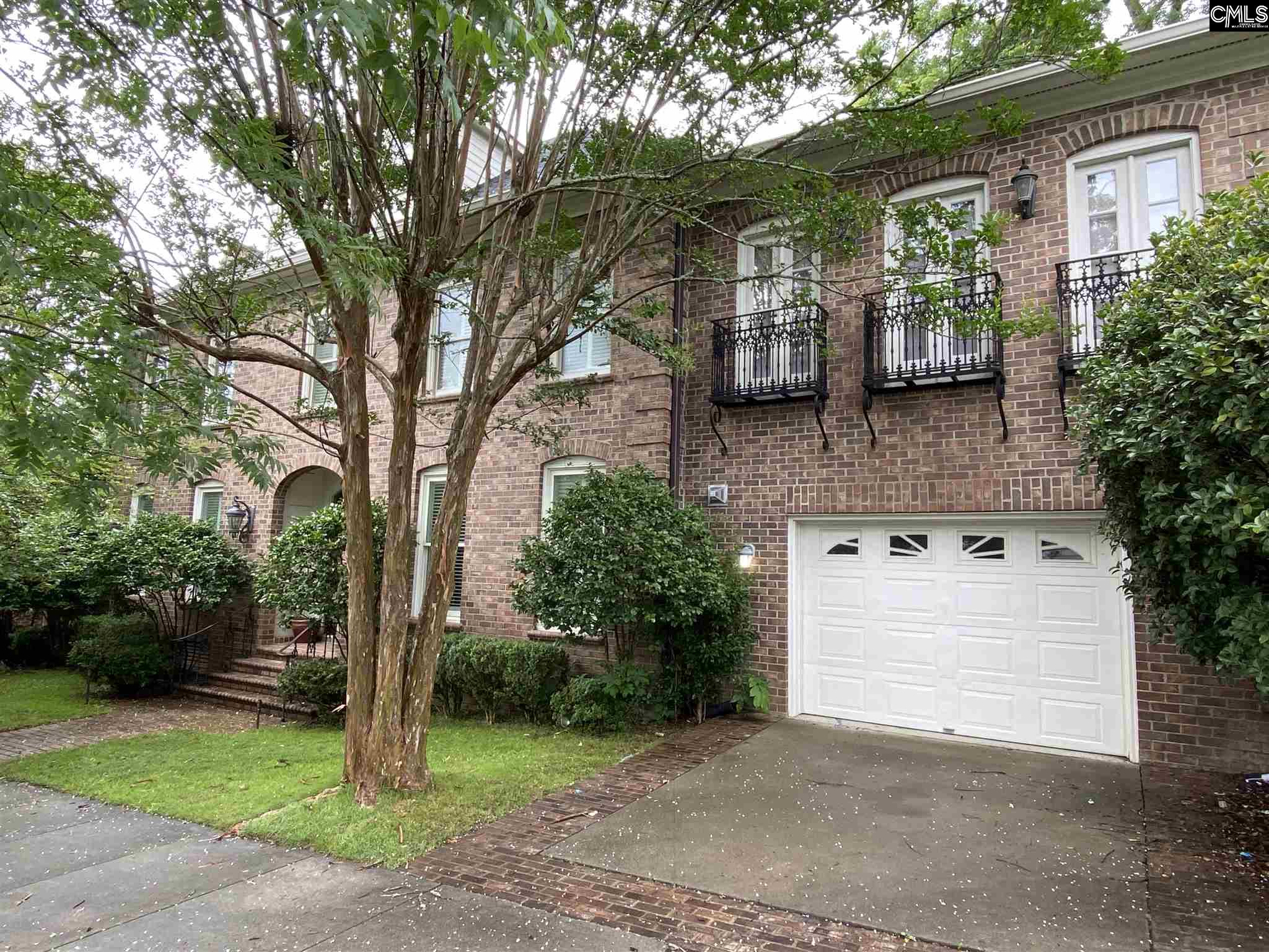 320 St James Columbia, SC 29205-3070