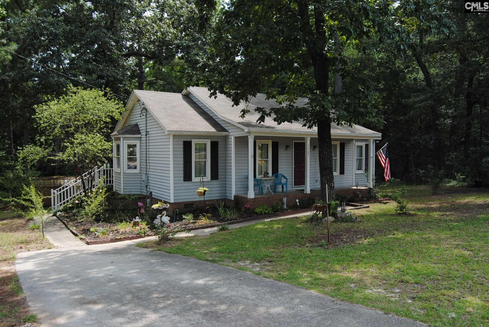 1527 Woodtrail Gaston, SC 29053