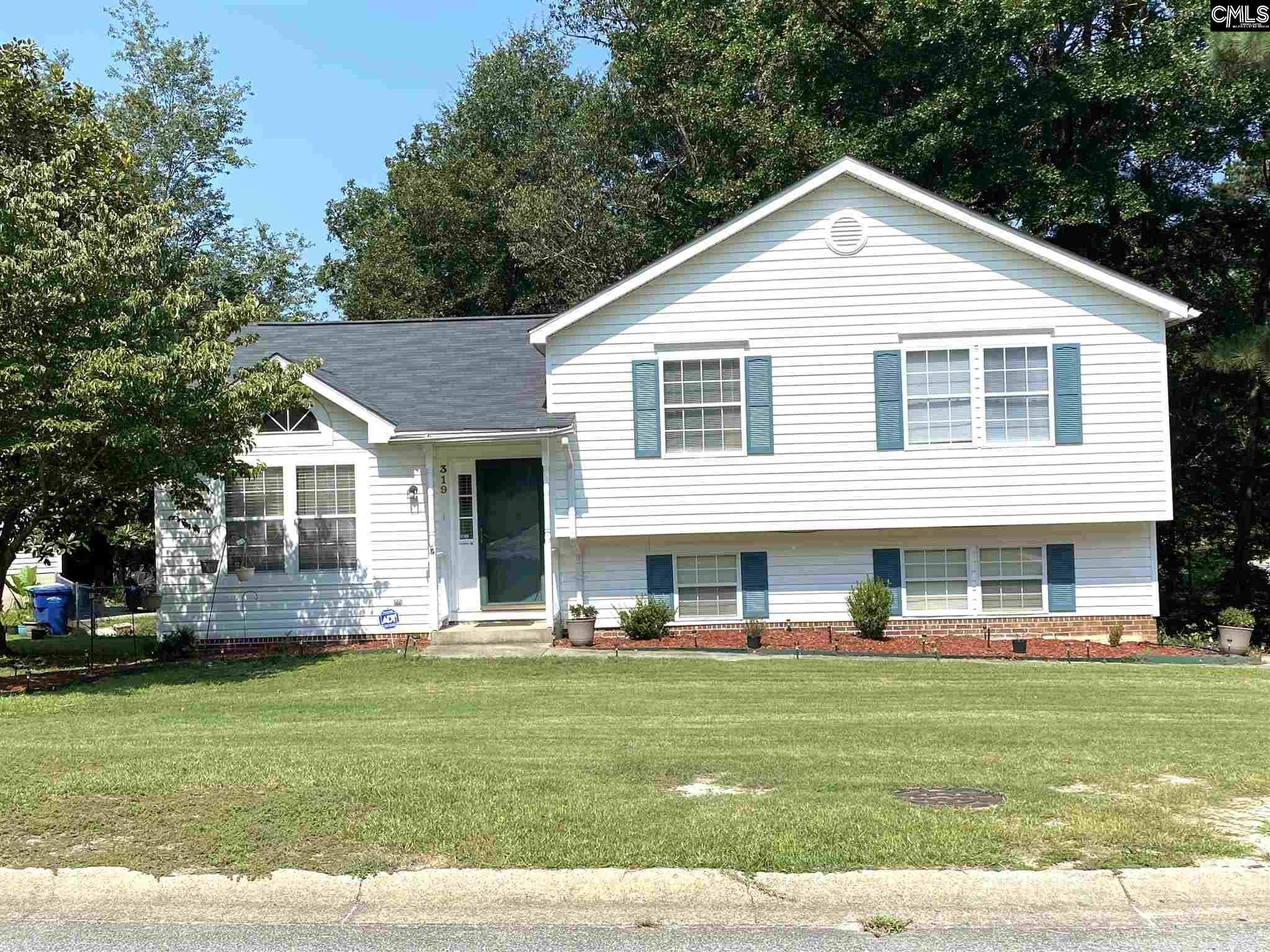 319 Three Oaks Lexington, SC 29073-7930