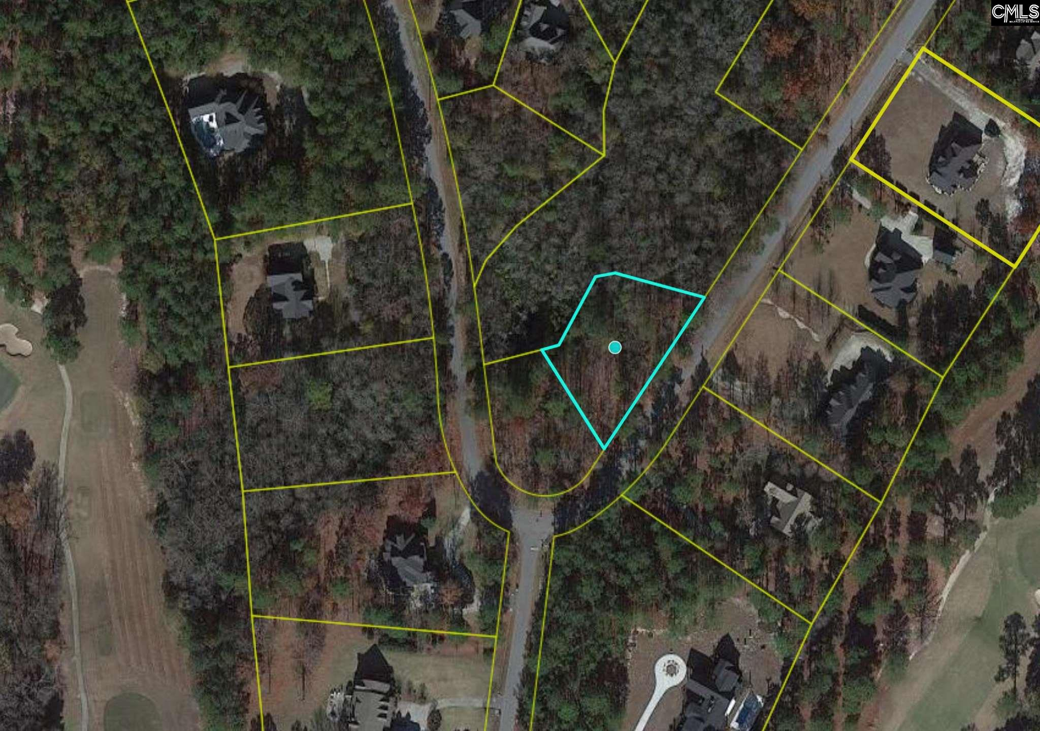 Beautiful lot located in the established Longtown Estates subdivision. Close proximity to downtown Columbia.