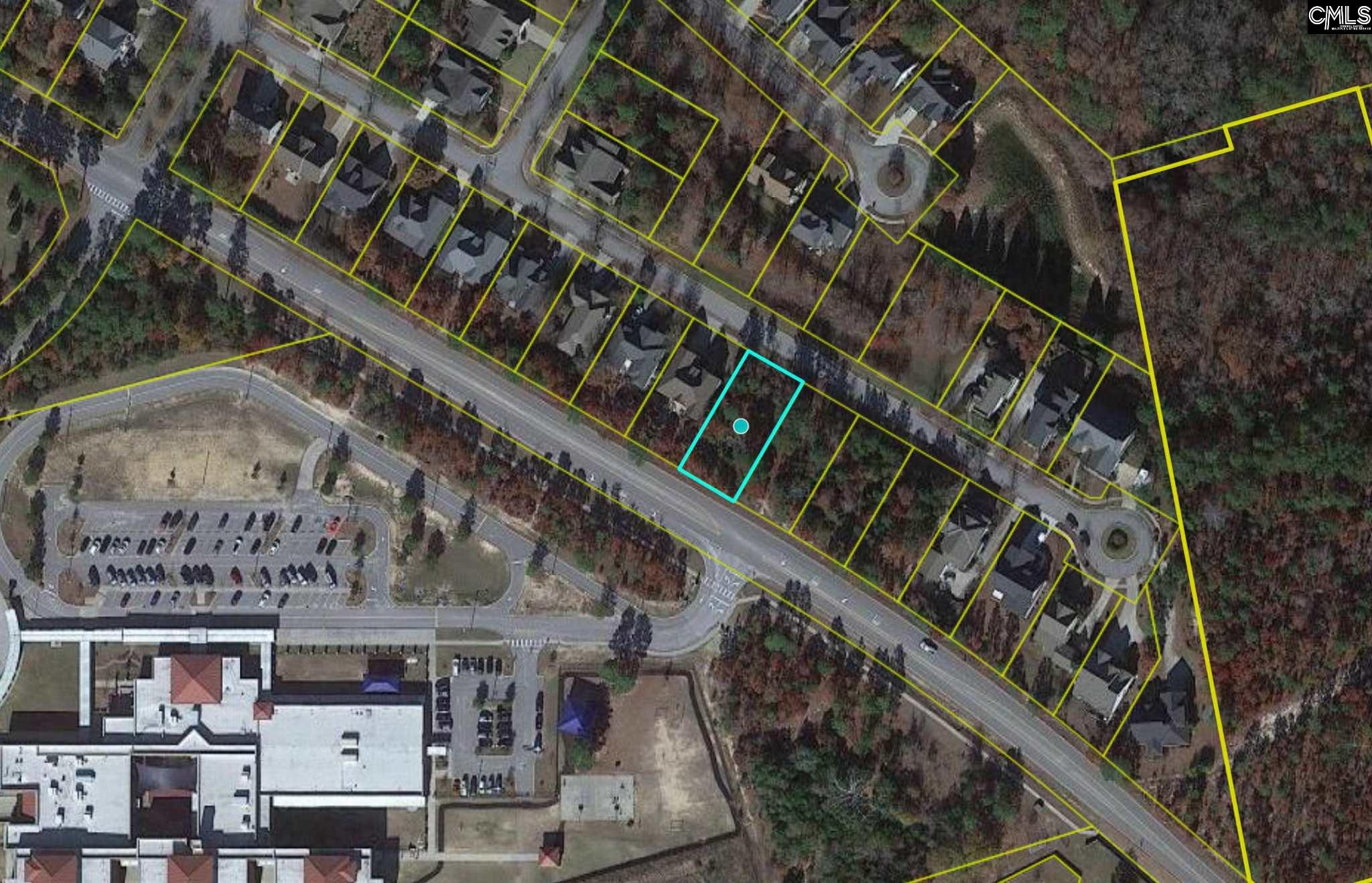 Beautiful lot located in the established Green Hill Parrish subdivision. Public water and sewer available. Close proximity to downtown Columbia.