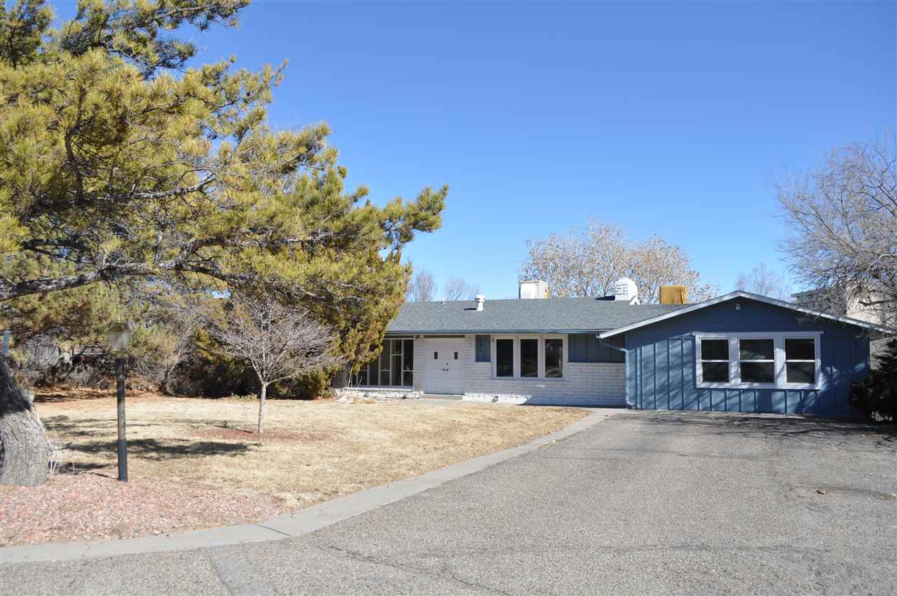 662 Round Hill Drive, Grand Junction, CO 81506