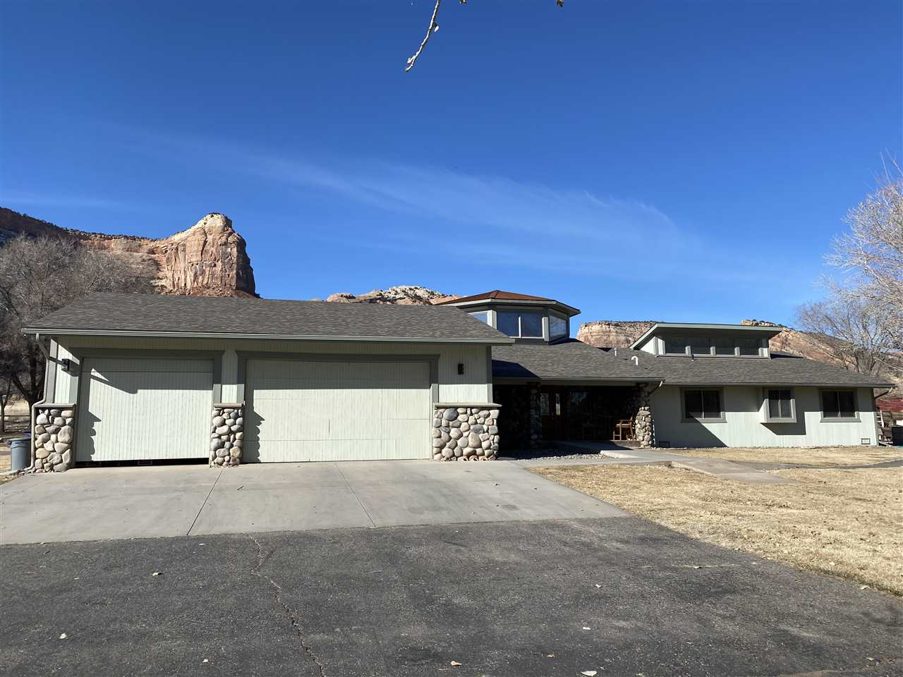 MLS# 20200909 - 20 - 1916 Monument Canyon Drive , Grand Junction, CO 81507