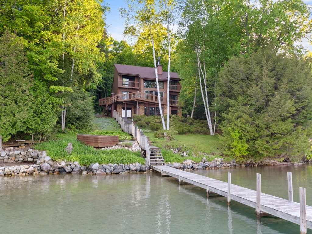 MLS 462081 - 07700  Fox , Petoskey, MI