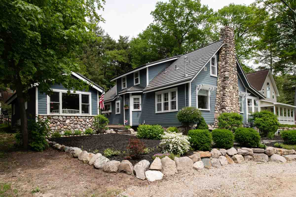 MLS 462243 - 01797  North Shore , Walloon Lake, MI