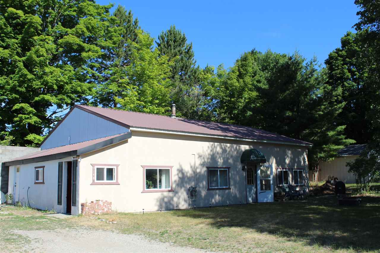 MLS 462744 - 7164 S US-31 , Alanson, MI