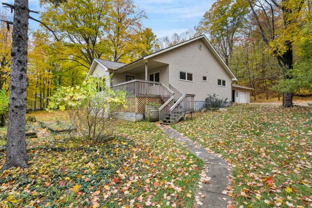 MLS 463669 - 05412  Lakeshore , Boyne City, MI