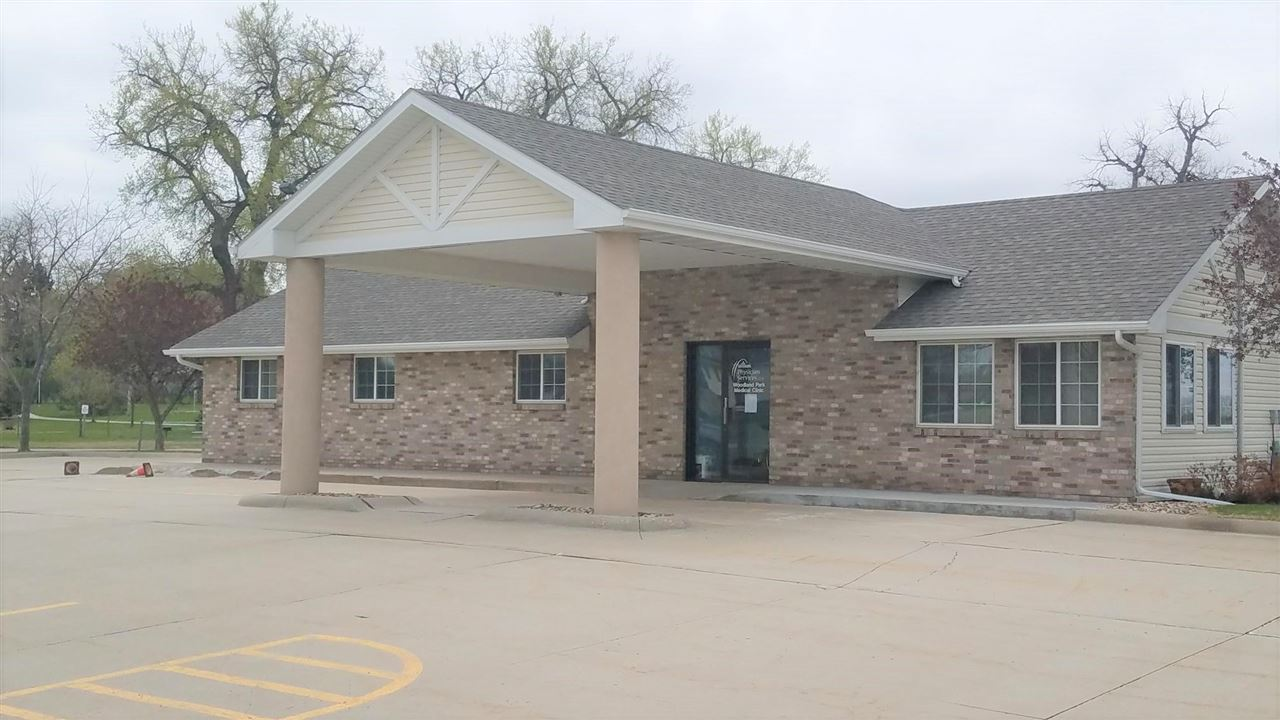 Beautiful office building for sale!  This 1600 + Sq. ft office has 4 exam rooms, 2 bathrooms, 1 ADA compliant, 3 additional office/miscellaneous use spaces, 2 storage/records rooms, break room and 16 + parking spaces. This building has a great location on Hwy 35 in Woodland Park.  Great opportunity for owner/occupant looking for high visibility/high traffic.