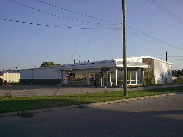 Excellent opportunity to have your investment pay for itself. 6000 sq ft has an open floor plan to remodel to your satisfaction. Which includes an auto bay. Second building is 1102 & 1/2 Riverside and has 3750 sq ft It is an auto repair company that is paying monthly rent with a current lease. You may be able to build storage units on the empty ground or use your imagination for more income availability. Don't let this opportunity pass you by.