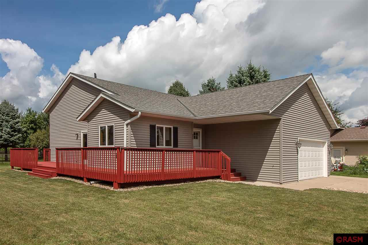Sensational New Listings In And Around Mankato True Real Estate Home Interior And Landscaping Spoatsignezvosmurscom