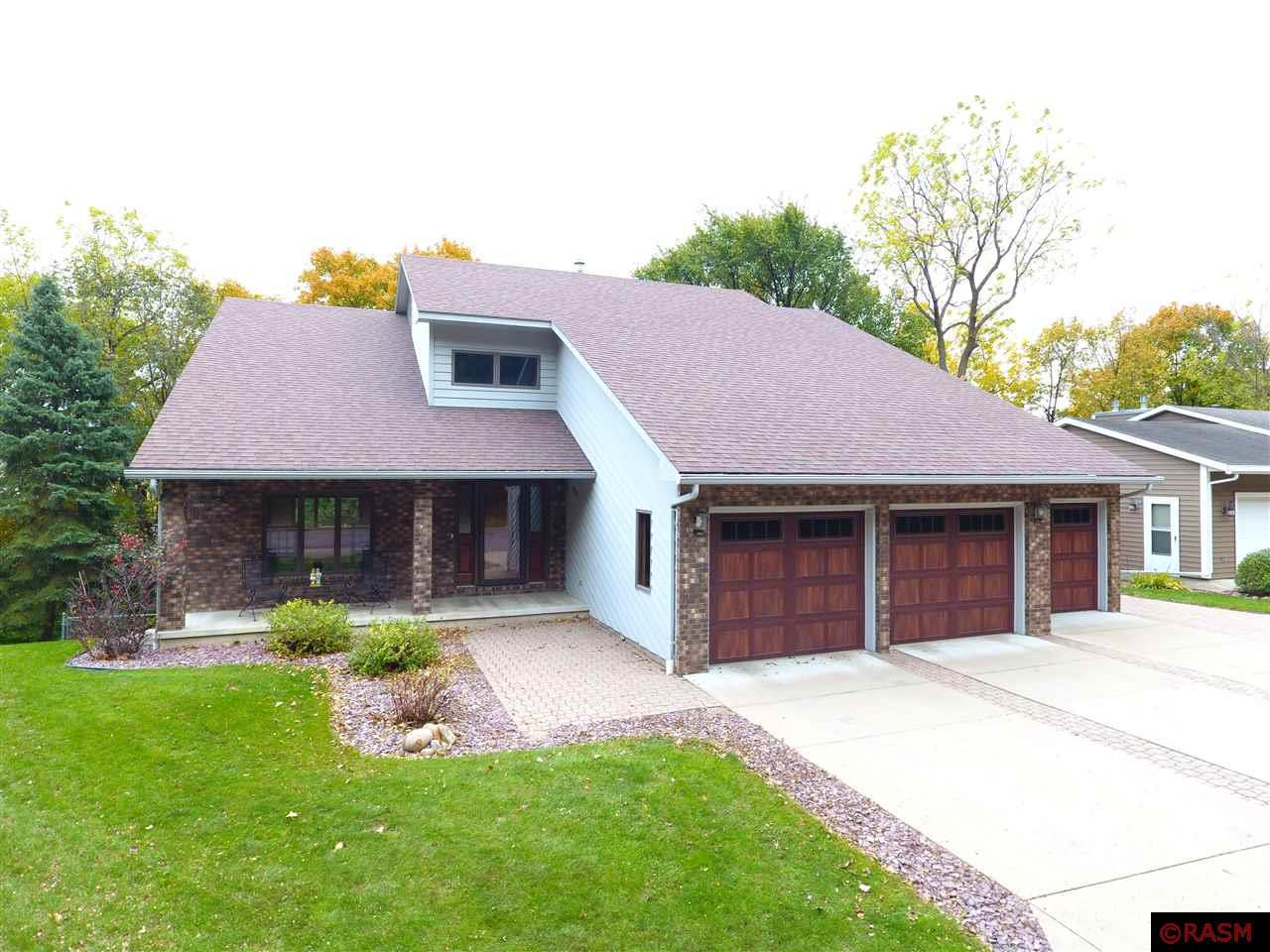 Property for sale at 975 Belvista Drive, North Mankato,  Minnesota 56003