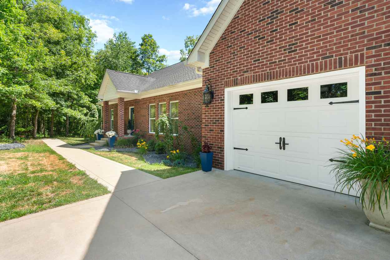 1313 William Simmons Road, Bowling Green, KY 42101