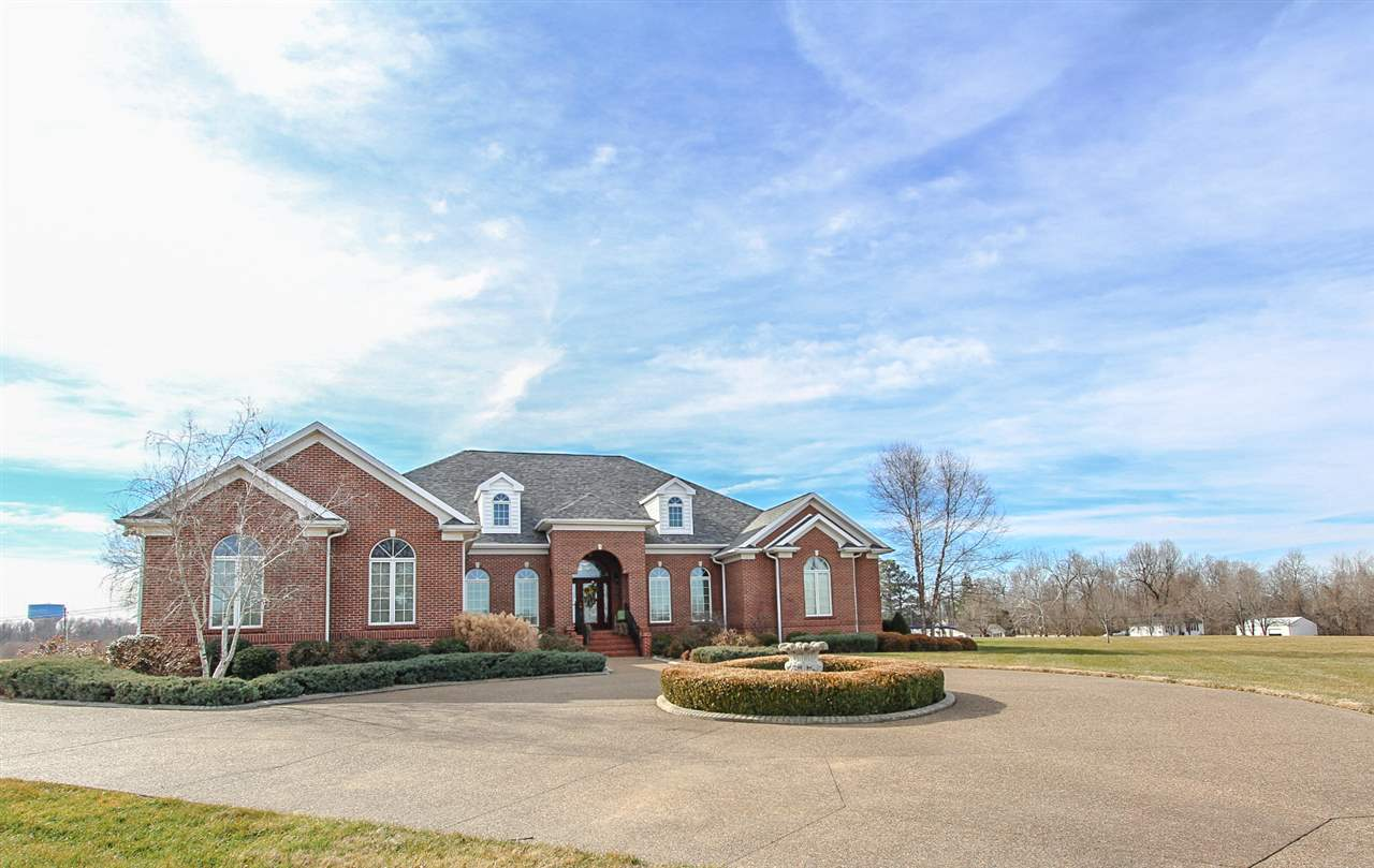 607 Maple Ln, Central City, KY 42330