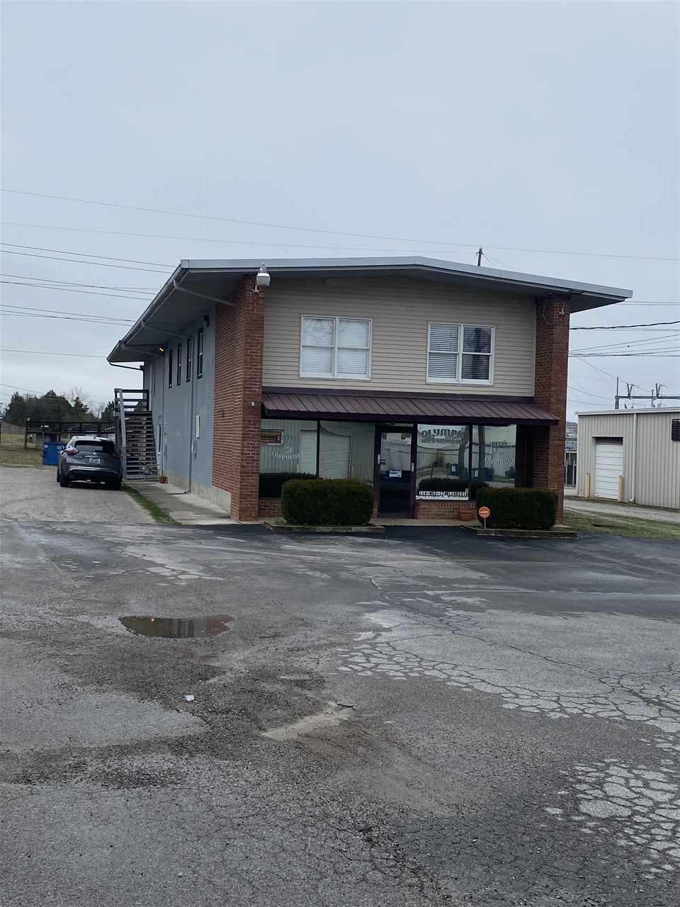 166 Saint Charles Street, Bowling Green, KY 42101