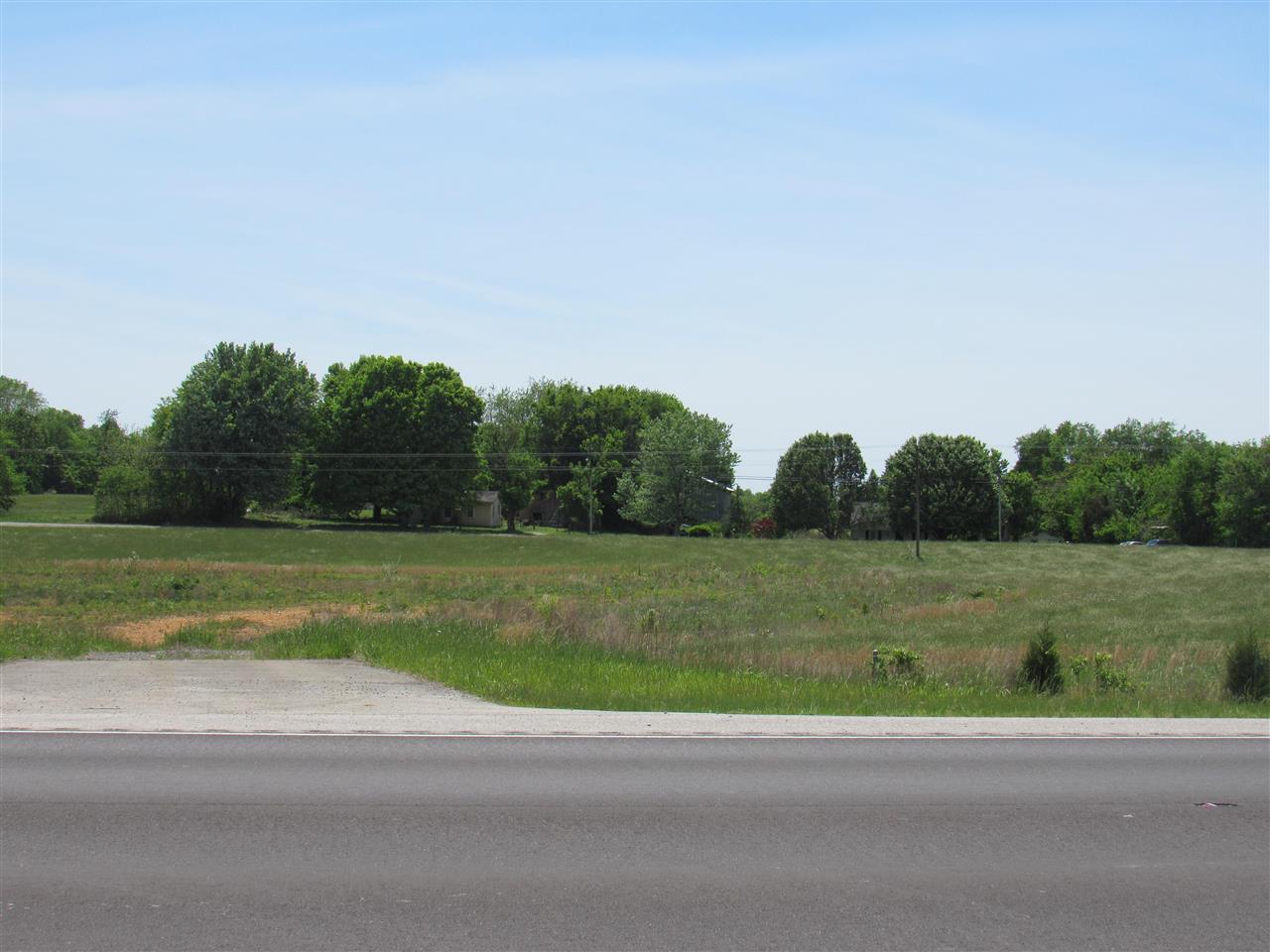 5558 Bowling Green Rd., Scottsville, KY 42164