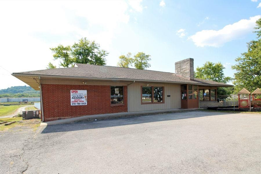 320 S Dixie Street, Horse Cave, KY 42749